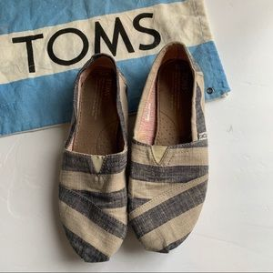 Toms Striped Canvas Classic size 7.5